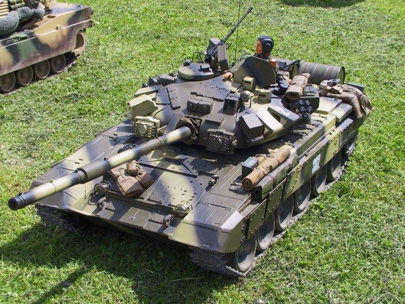 Radio Controlled Tank T-90 1/8 scale
