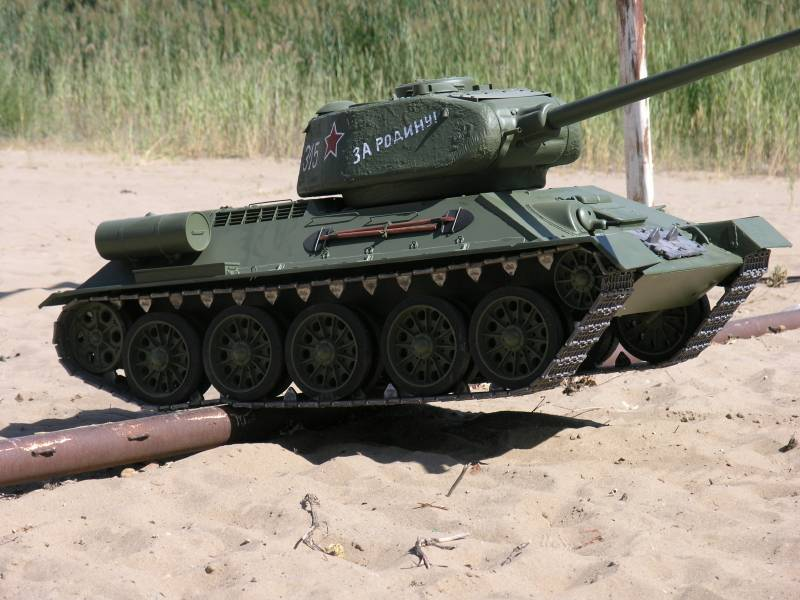 Radio Controlled Tank T-34/85 1/4 scale